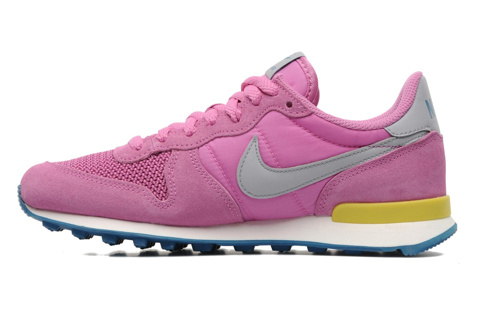 nike wmns nike internationalist trainers in pink at. Black Bedroom Furniture Sets. Home Design Ideas