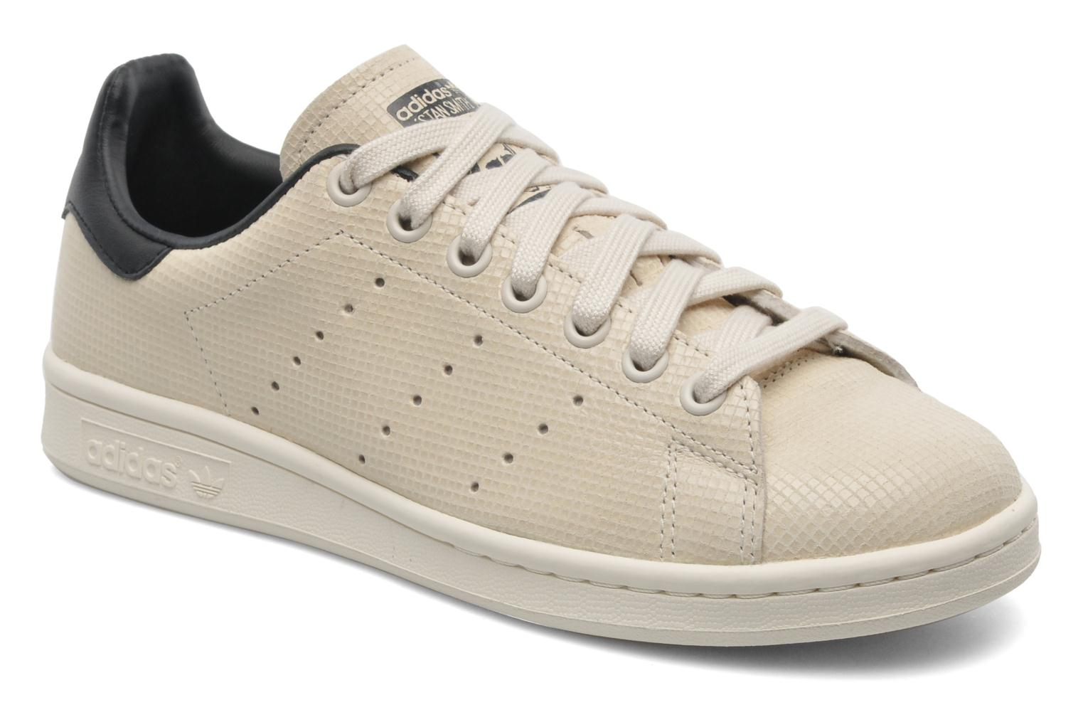 adidas originals stan smith w trainers in beige at sarenza. Black Bedroom Furniture Sets. Home Design Ideas