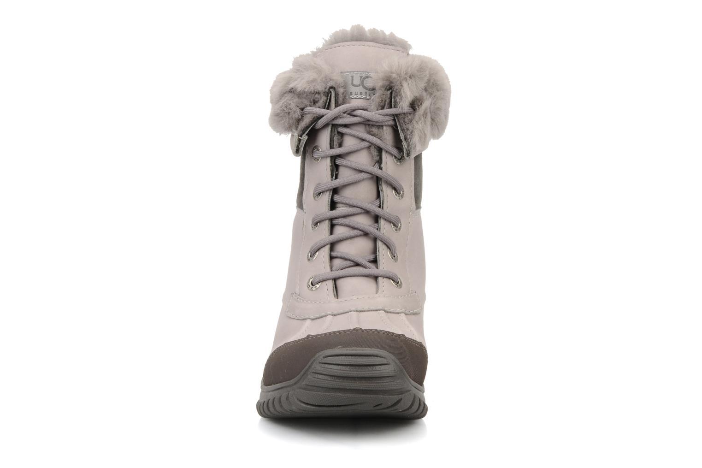 Ankelstøvler UGG Adirondack Grå se skoene på