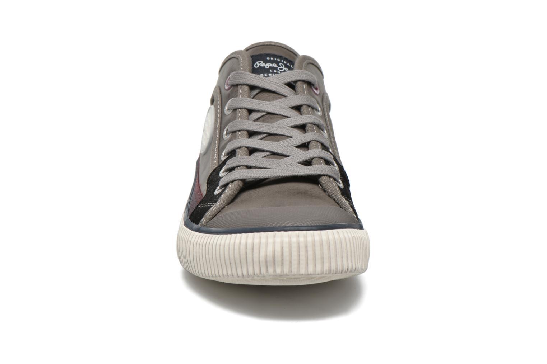 Sneakers Pepe jeans Industry Incolore modello indossato