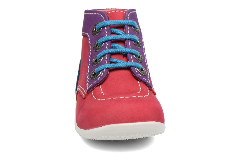 Boots Kickers Bonbon Rosa bild av skorna på