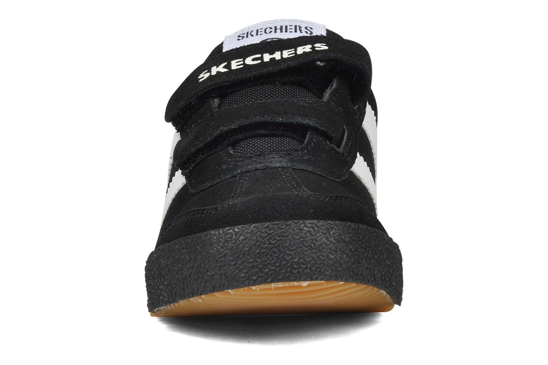 Sneakers Skechers Commemorate Zwart model