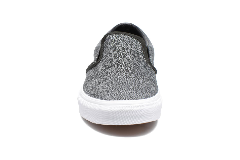 Baskets Vans Classic Slip On W Gris vue portées chaussures