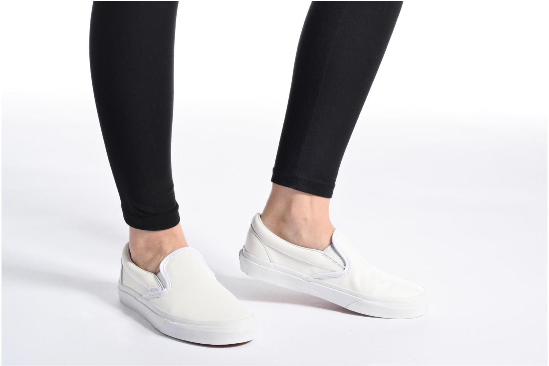 Sneaker Vans Classic Slip On W weiß ansicht von unten / tasche getragen