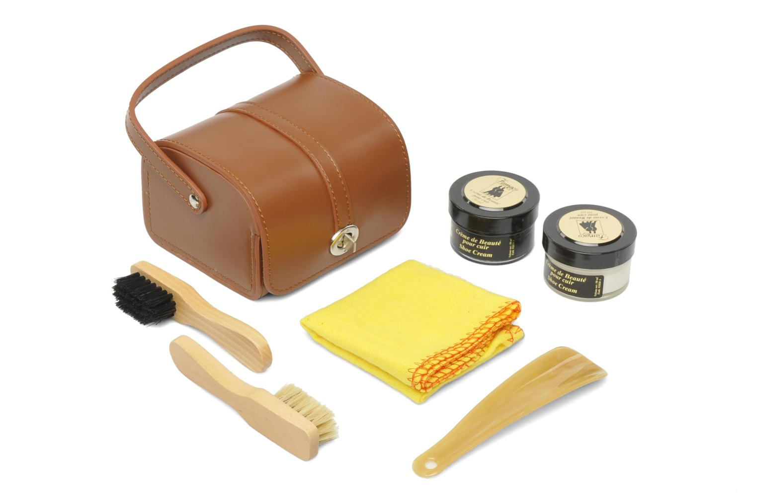 Care products kit marron