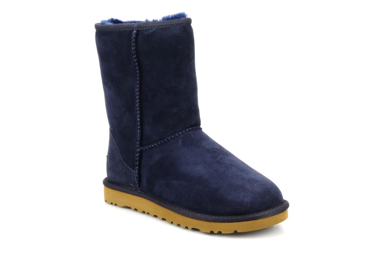 Stiefeletten & Boots UGG Classic Short blau detaillierte ansicht/modell