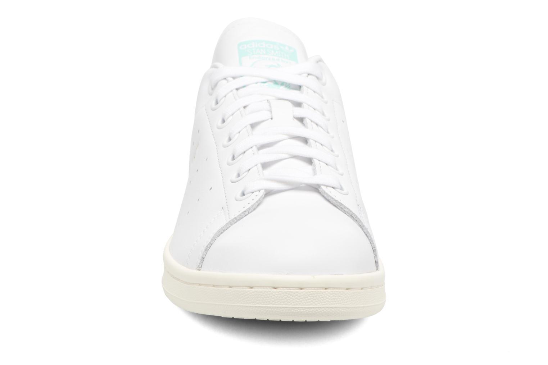Baskets Adidas Originals Stan Smith Bleu vue portées chaussures