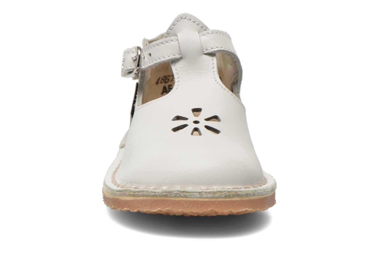Sommarskor Aster Bimbo Vit bild av skorna på
