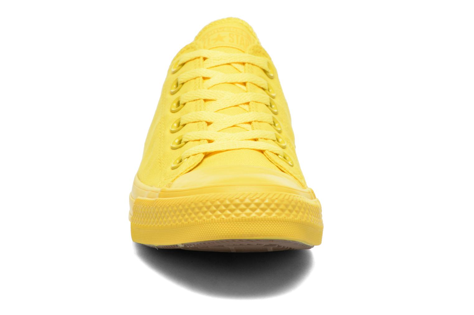 Sneakers Converse Chuck Taylor All Star Ox M Geel model