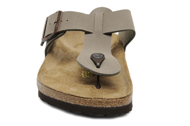 Tongs Birkenstock Medina Flor M Gris vue portées chaussures