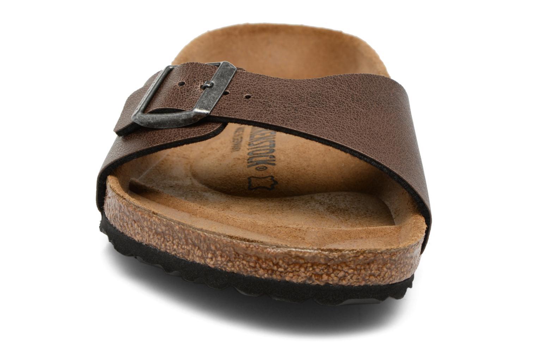 Sandaler Birkenstock Madrid Flor M Brun bild av skorna på