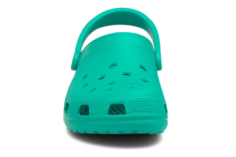 Mules et sabots Crocs Classic F Vert vue portées chaussures