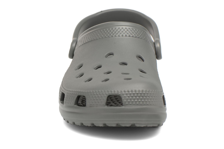 Sandalen Crocs Cayman H grau schuhe getragen