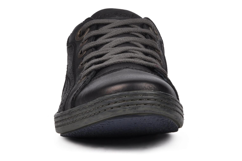 Baskets Kickers Amazony Noir vue portées chaussures
