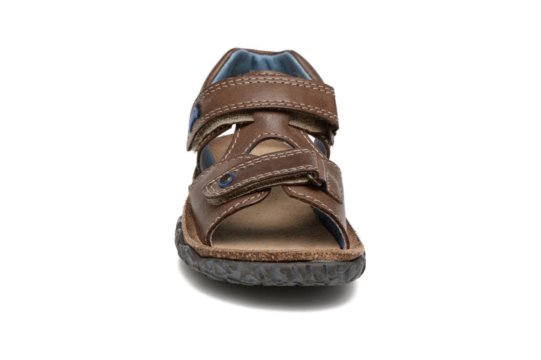Sandales et nu-pieds Stones and Bones Ranco Marron vue portées chaussures