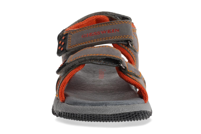 Chaussons Giesswein Taucha Gris vue portées chaussures