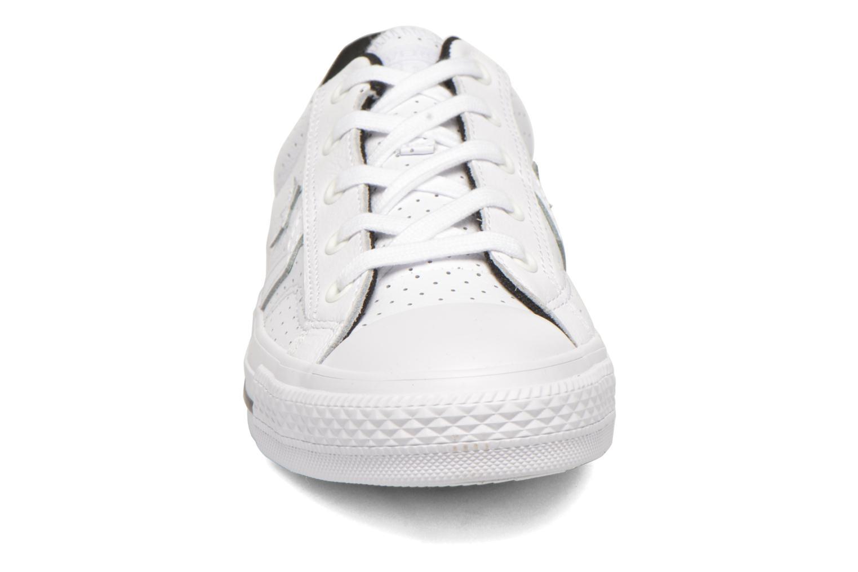 Sneaker Converse Star Player Cuir Ev W weiß schuhe getragen