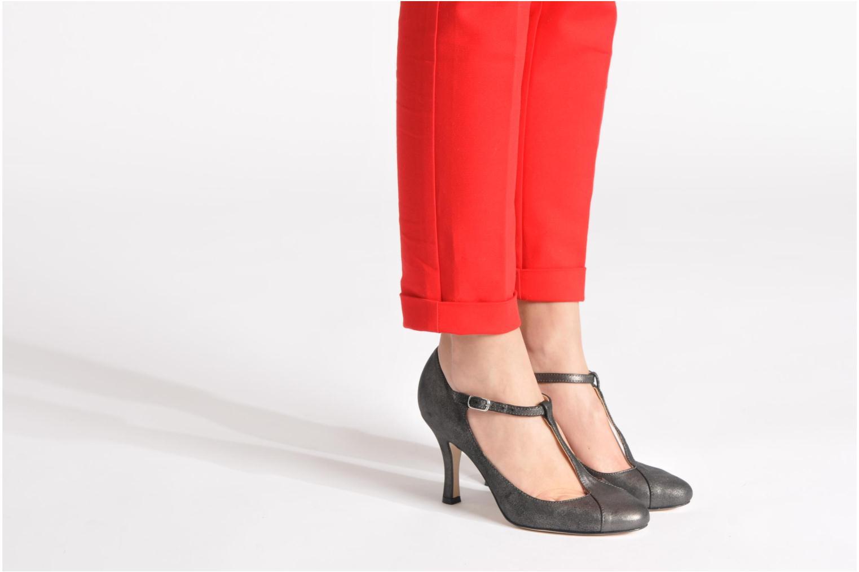 High heels Eden Elen Black view from underneath / model view