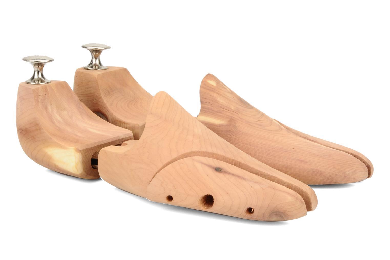 Schuhspanner aus Zedernholz Beige