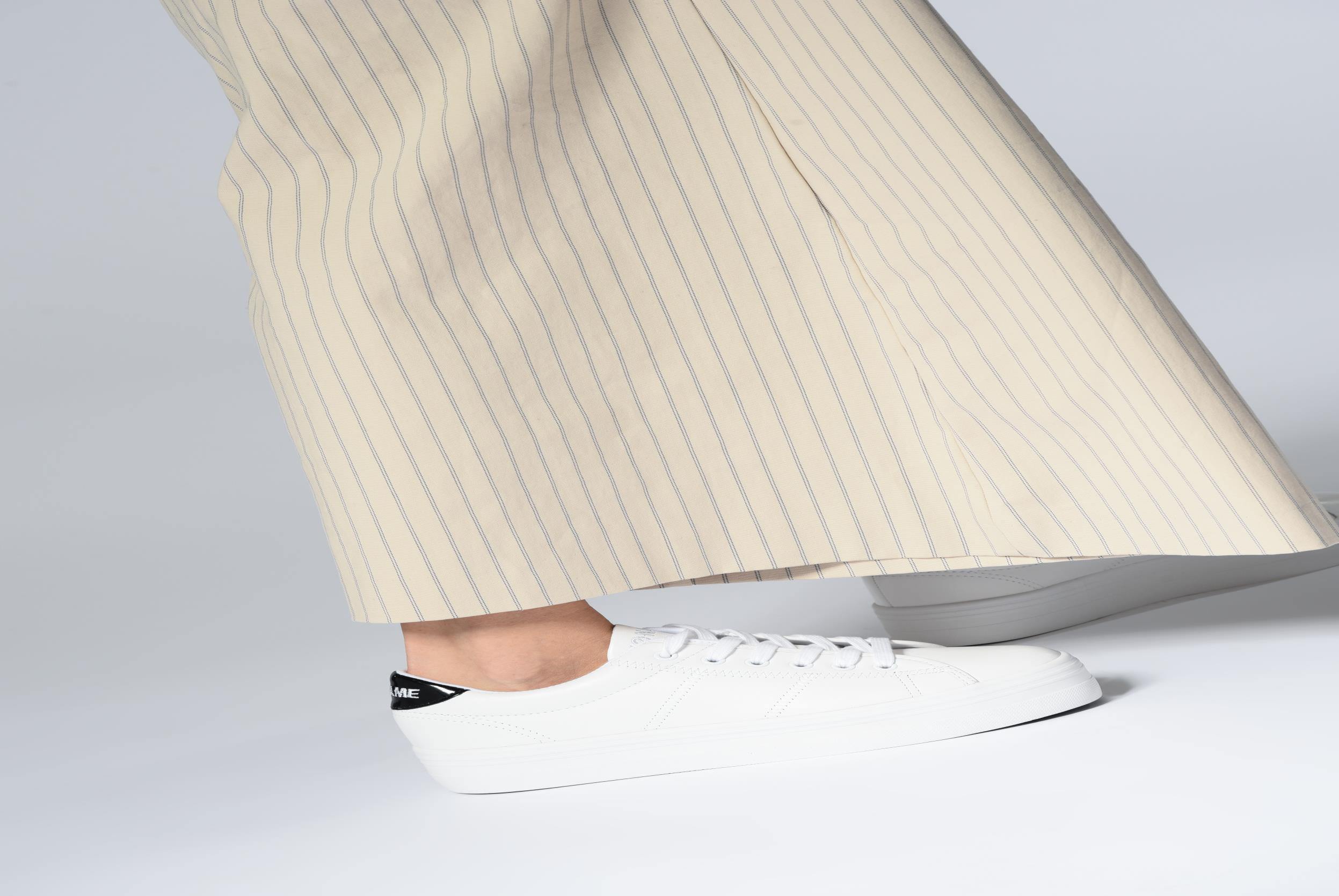 Sneaker No Name Plato Sneaker blau ansicht von unten / tasche getragen