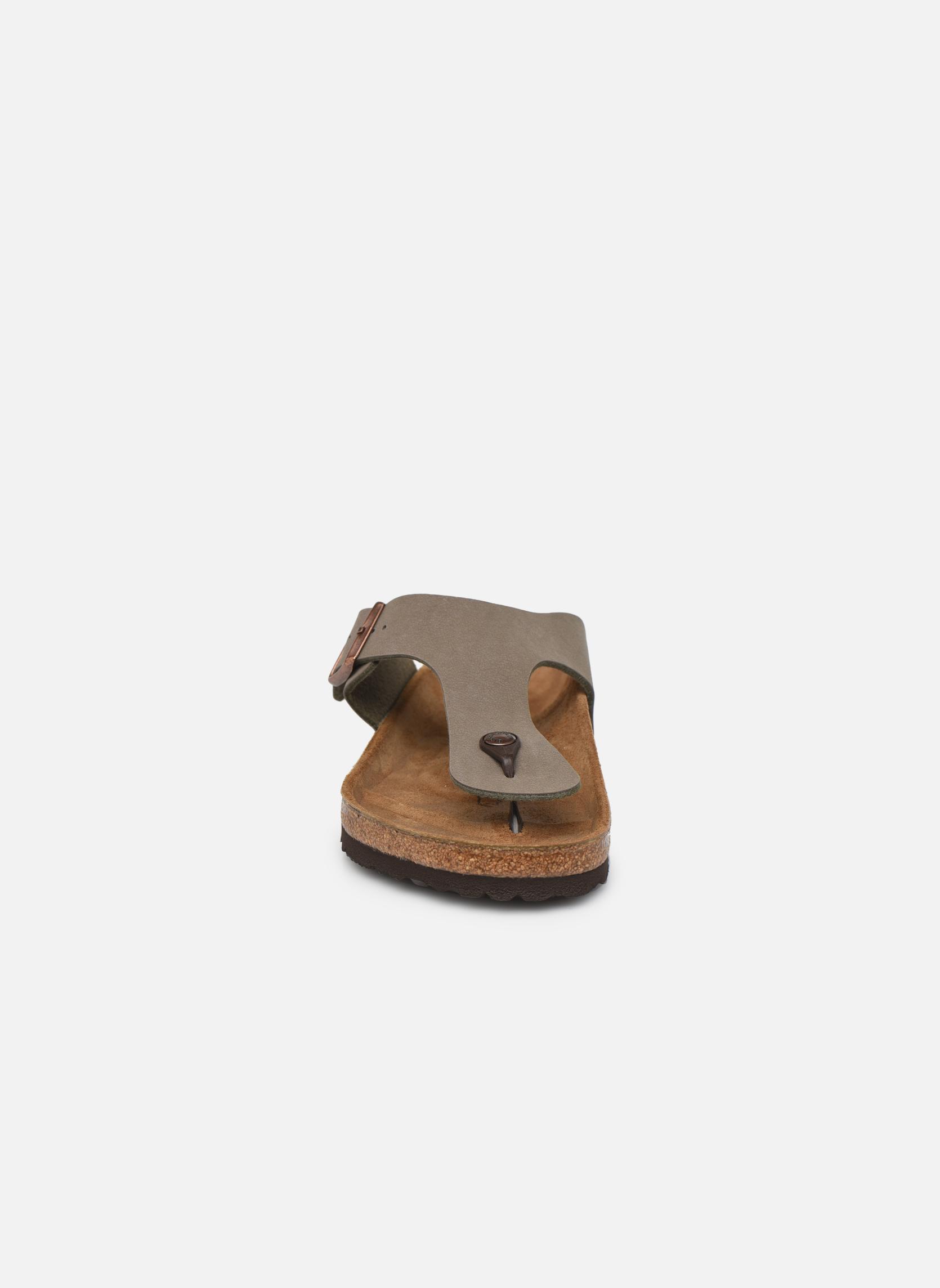 Tongs Birkenstock Ramses M Gris vue portées chaussures