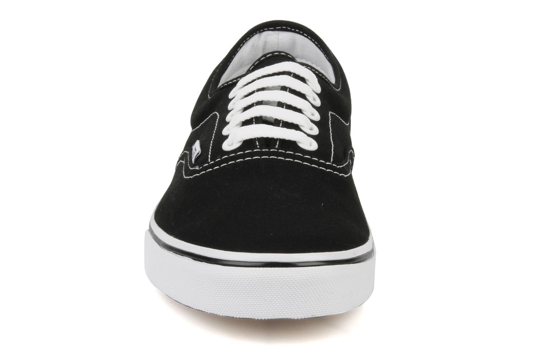 Baskets Vans LPE M Noir vue portées chaussures