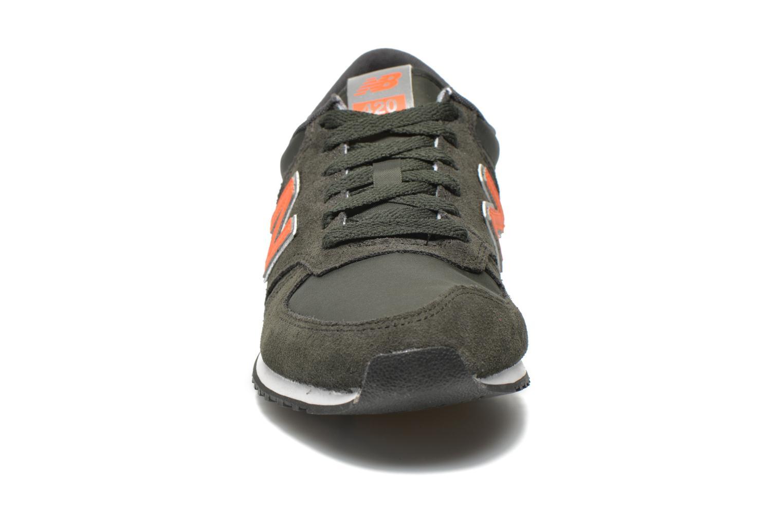 Baskets New Balance U420 Vert vue portées chaussures