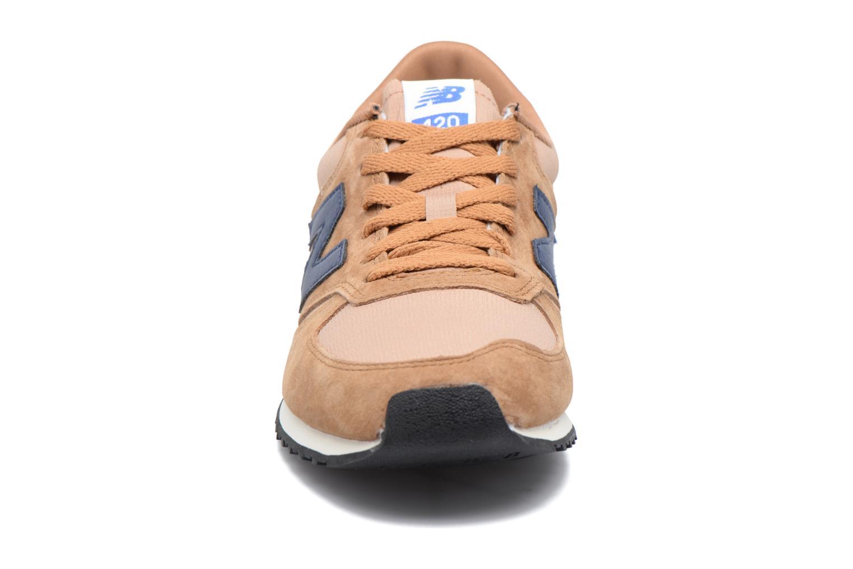 Baskets New Balance U420 Marron vue portées chaussures