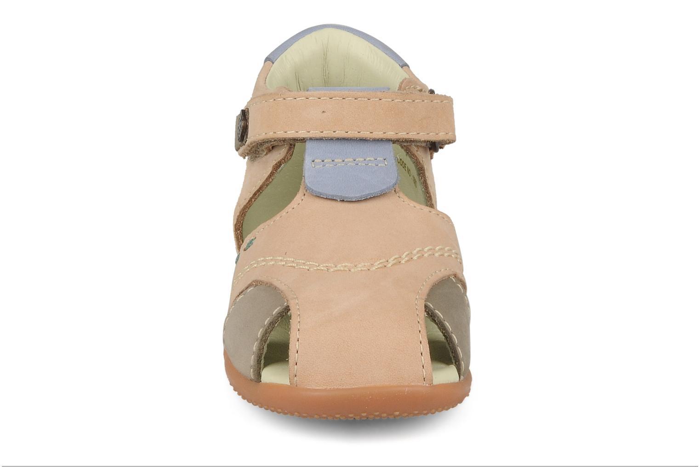 Sandales et nu-pieds Kickers Banzai Beige vue portées chaussures