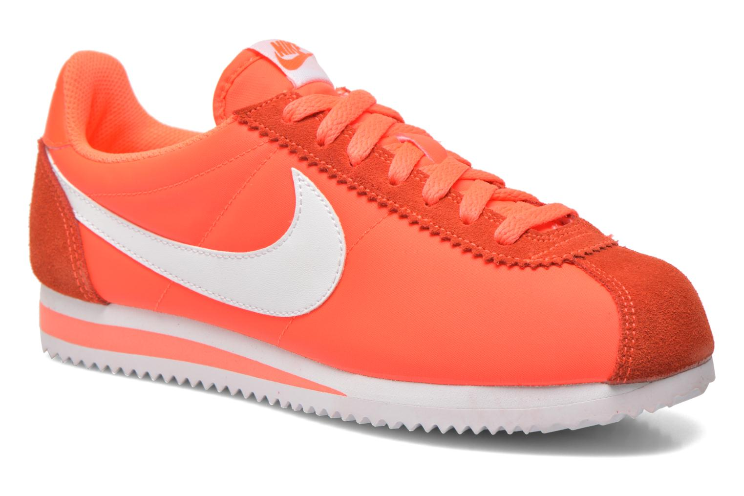 Baskets Nike Wmns Classic Cortez Nylon Orange vue détail/paire