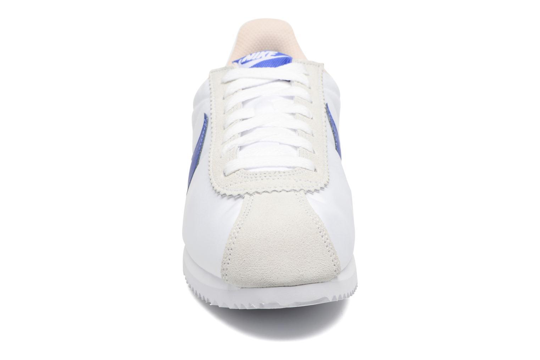 Sneaker Nike Wmns Classic Cortez Nylon weiß schuhe getragen