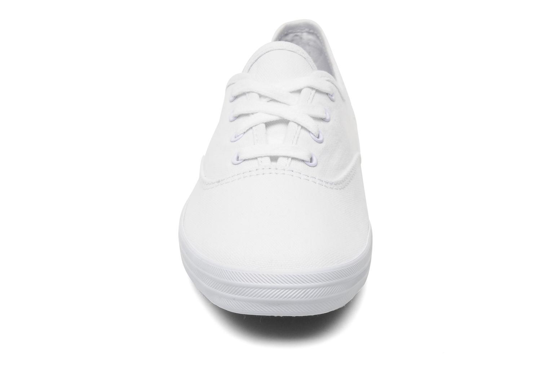 Baskets Keds Champion Canvas Blanc vue portées chaussures