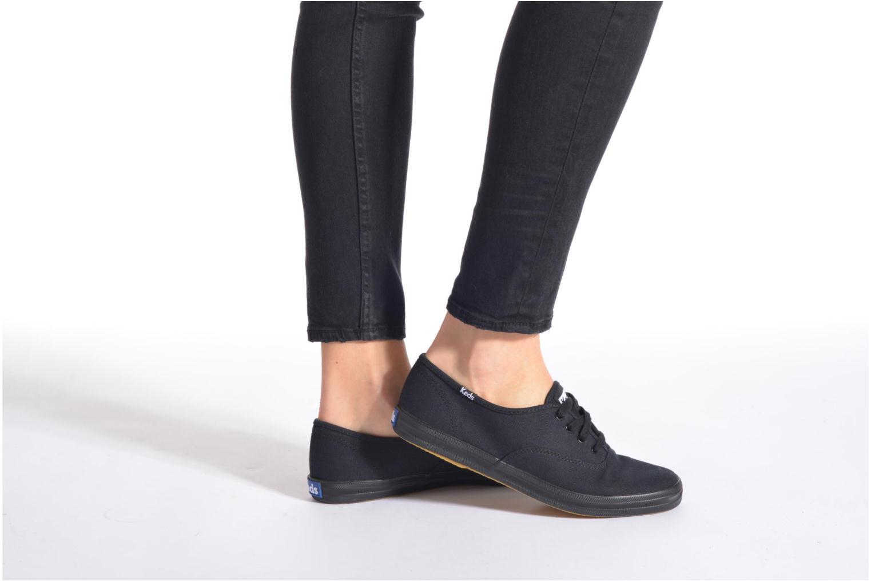 Sneaker Keds Champion Canvas schwarz ansicht von unten / tasche getragen