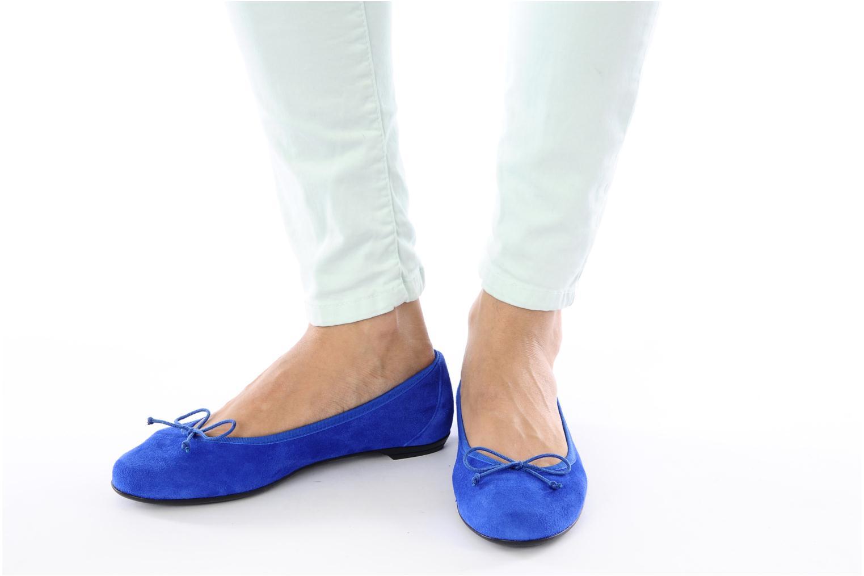 Ballerinas Valensi Vega blau ansicht von unten / tasche getragen