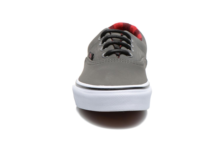 Baskets Vans K era Gris vue portées chaussures