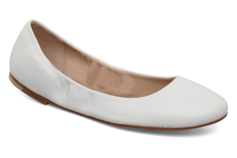 Arabian ballerina White