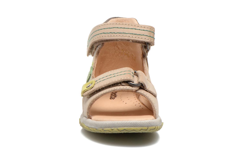 Sandales et nu-pieds Babybotte Tom Beige vue portées chaussures