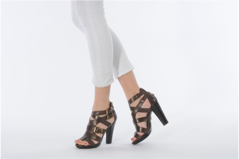Sandales et nu-pieds Pour La Victoire Vanna Marron vue bas / vue portée sac