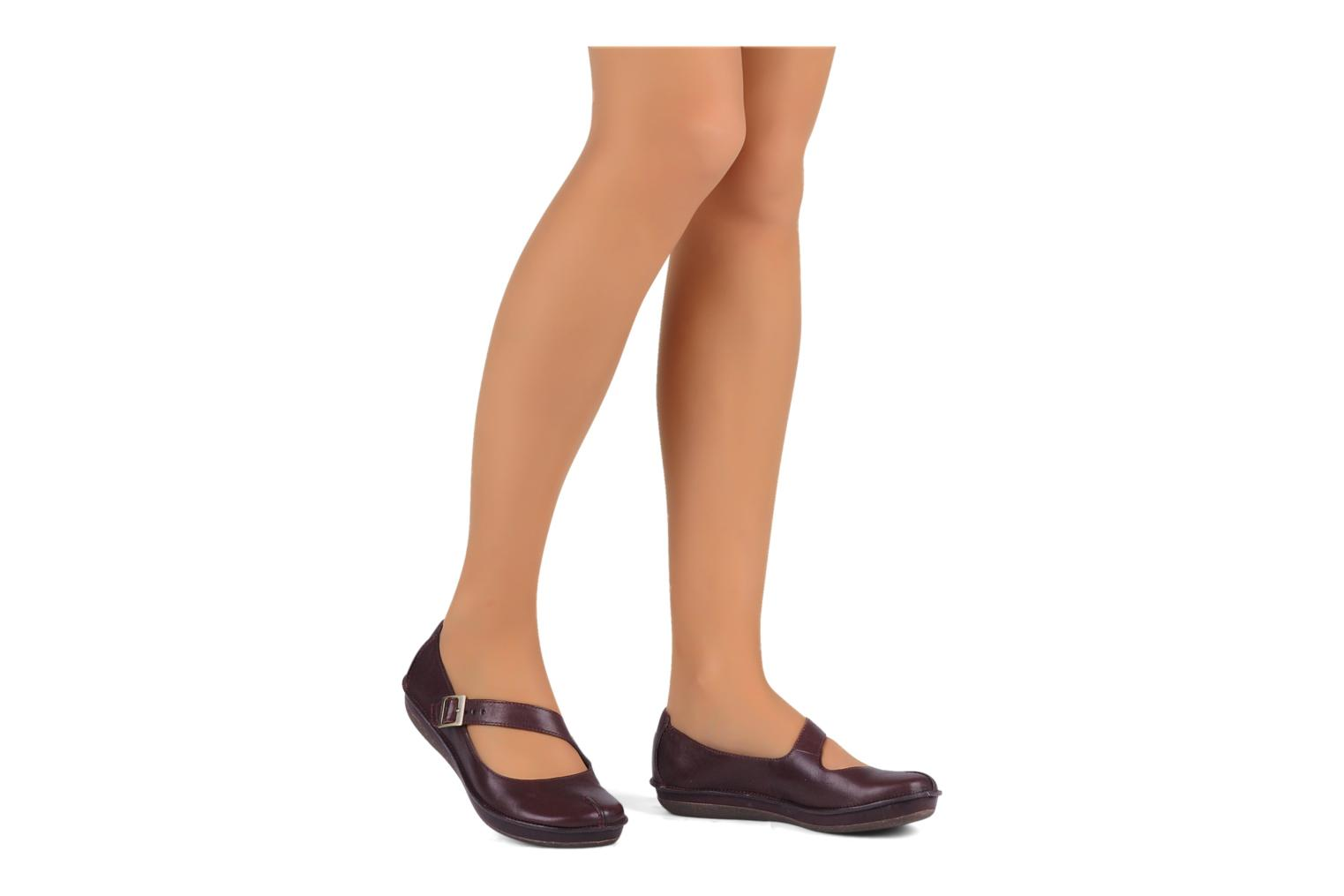 Ballet pumps Clarks Essence chime Brown view from underneath / model view