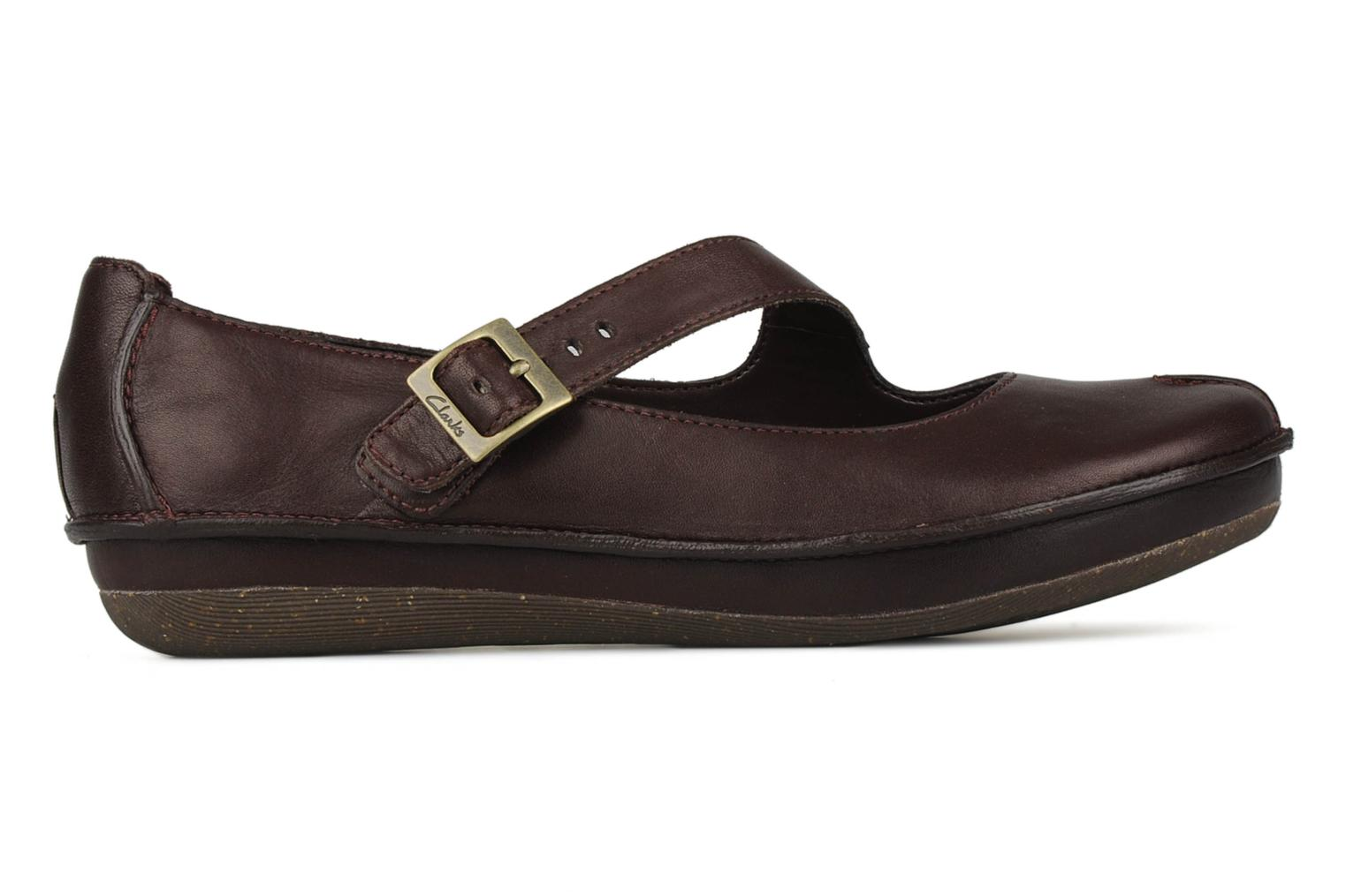 Ballet pumps Clarks Essence chime Brown back view