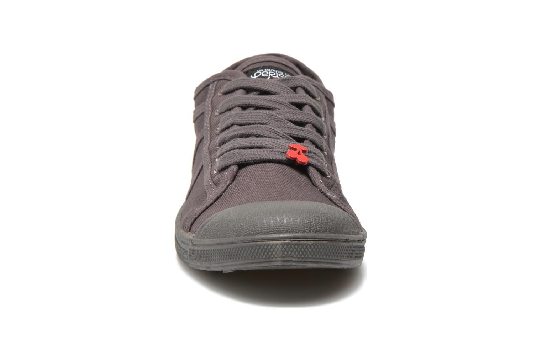 Baskets Le temps des cerises Basic 02 Gris vue portées chaussures