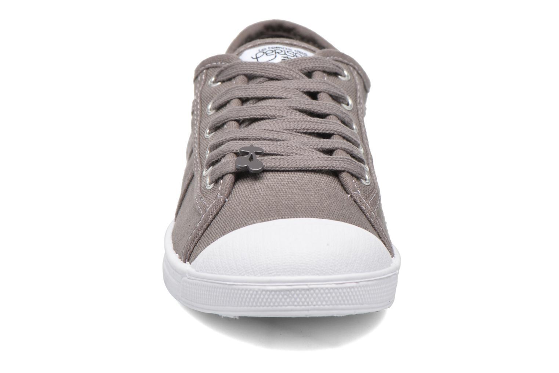 Sneaker Le temps des cerises Basic 02 braun schuhe getragen