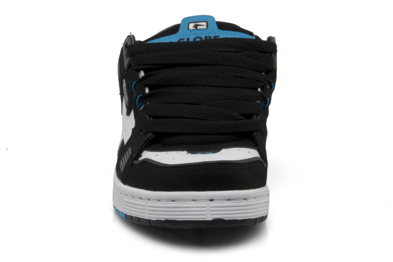 Scarpe sportive Globe Sabre Nero modello indossato