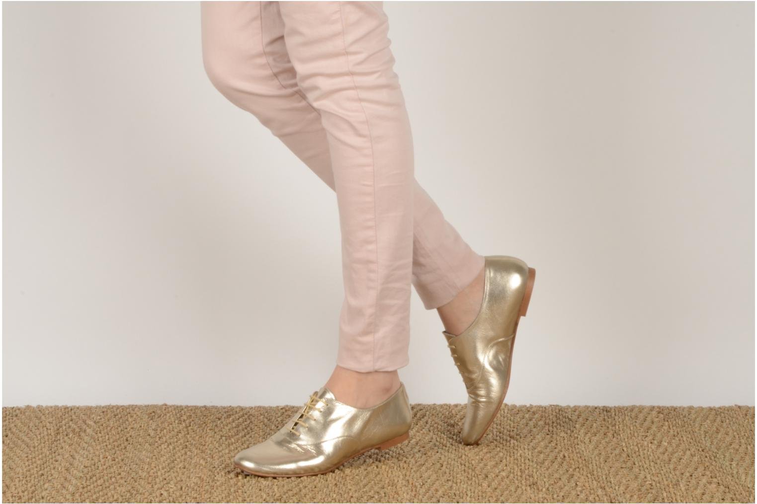 Lace-up shoes Emma Go Juddy Bronze and Gold view from underneath / model view