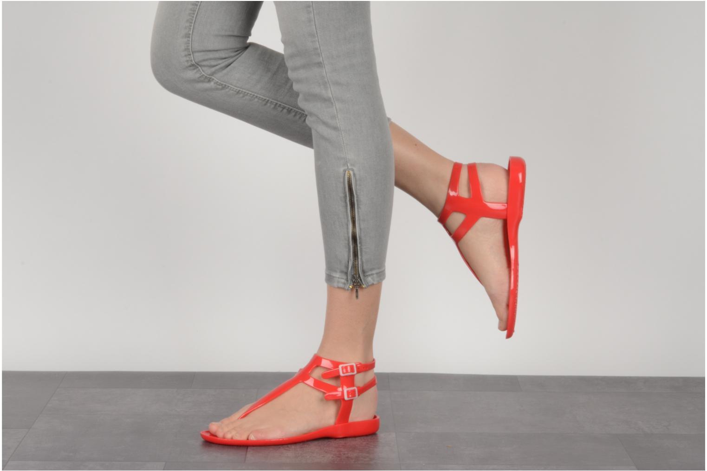 Sandales et nu-pieds Carvela Kink Rouge vue bas / vue portée sac