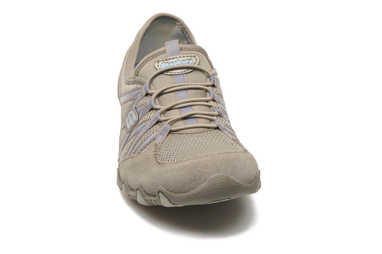 Baskets Skechers Hot-ticket 21159 Beige vue portées chaussures