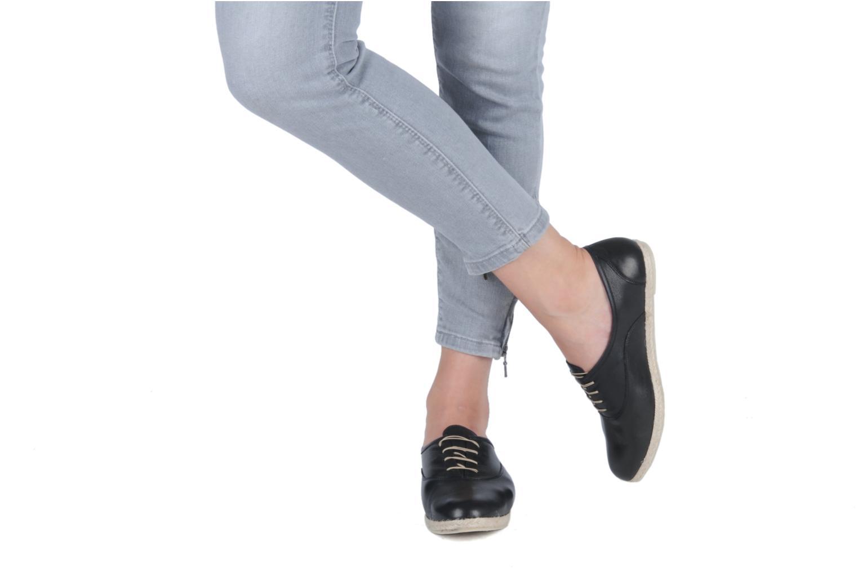 Schnürschuhe Zespà Salhia schwarz ansicht von unten / tasche getragen