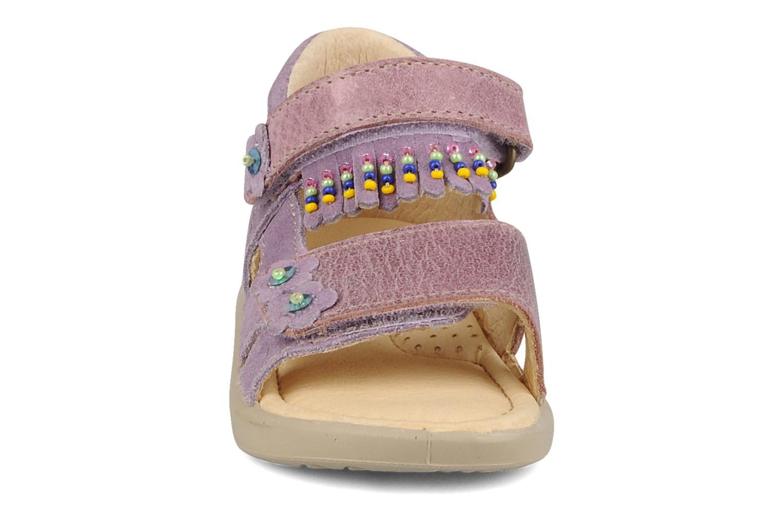 Sandali e scarpe aperte Naturino Karine Viola modello indossato