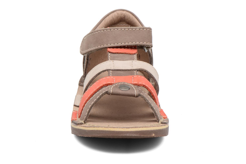 Sandales et nu-pieds Kickers Woopy Marron vue portées chaussures