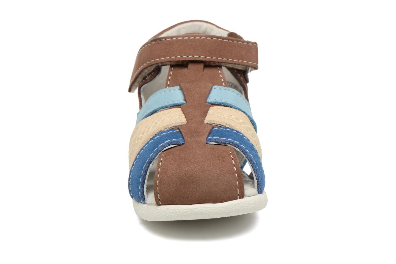 Sandales et nu-pieds Kickers Babysun Marron vue portées chaussures
